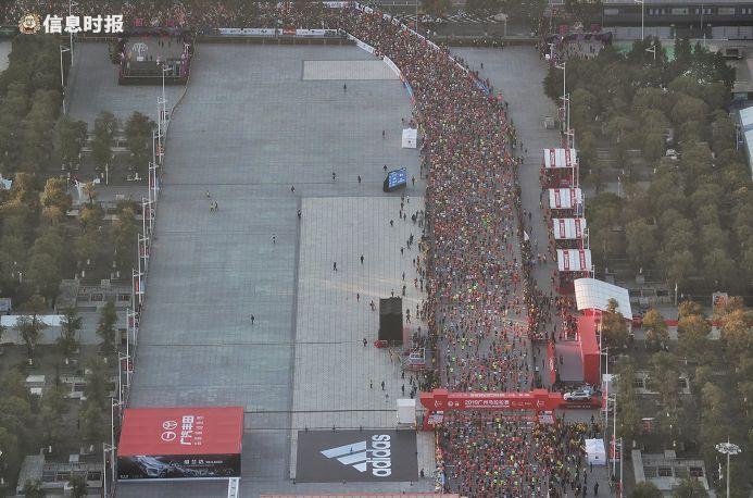 2019广州马拉松现场。信息时报资料图